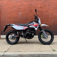 SSR XF250 Enduro Dirt Bike